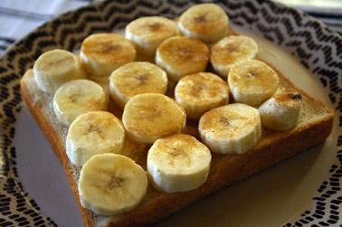 クリームチーズバナナシナモンハニートースト (2010-12-09)
